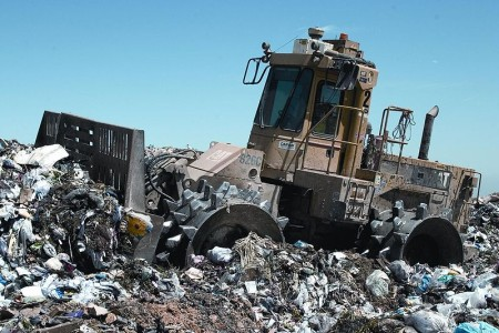 9 recycling tips at home - Landfill compactor