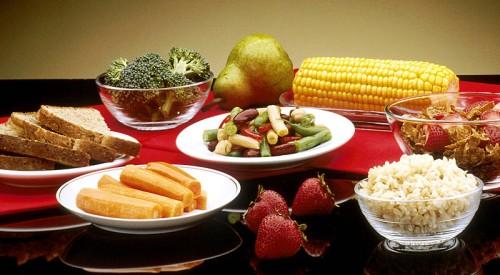 Benefits of organic food - food display